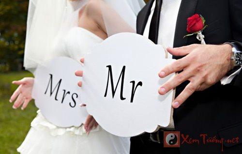 Chọn ngày cưới hợp bát tự cho trăm năm hạnh phúc