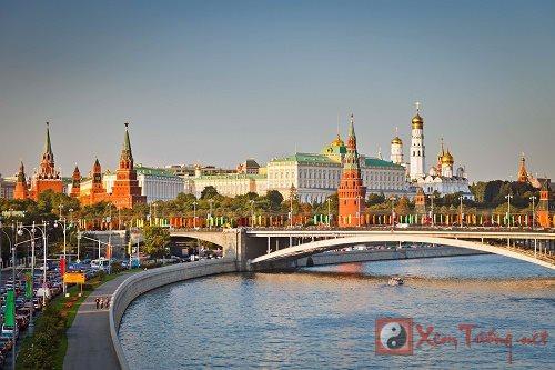 """Địa thế """"thủy long"""" đẩy lui kẻ thù của Moscow"""