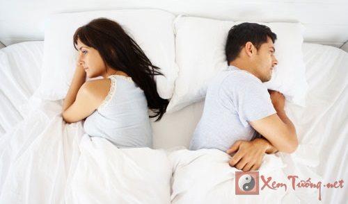 Hôn nhân rạn nứt vì trang trí phòng ngủ sai màu sắc