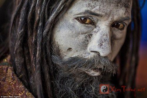 Chân dung bộ tộc sống cùng người chết