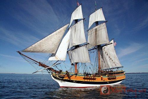 Mơ thấy tàu thuyền hứa hẹn nhiều niềm vui
