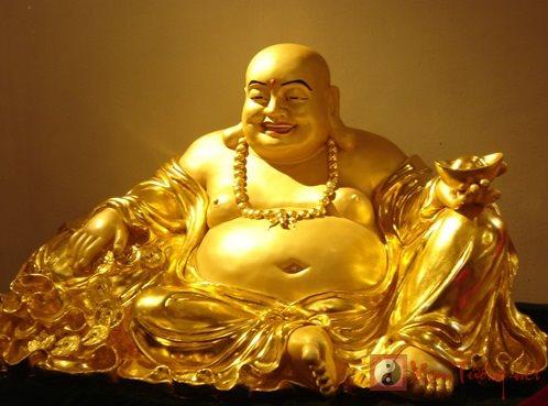 Đặt tượng Phật Di Lặc chuẩn phong thủy để đón rước tài lộc
