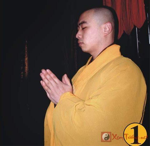 Hướng dẫn tư thế bái Phật đúng chuẩn