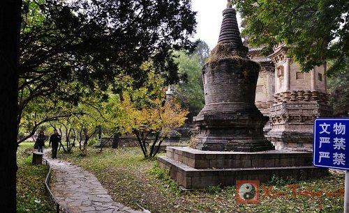 Bí ẩn những lăng mộ cổ nằm sâu trong rừng tại Trung Quốc