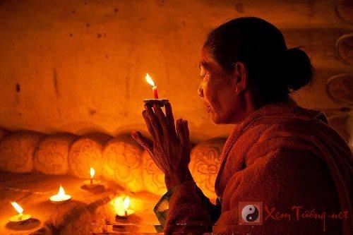 Ngày Rằm mùng 1 dâng hương lễ bái thế nào để hưởng phúc?