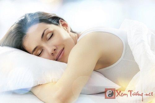 Xác định hướng kê giường ngủ phong thủy cho 12 con giáp