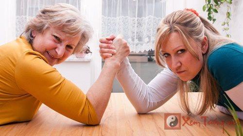 Top 3 mẹ chồng khiến quan hệ mẹ chồng nàng dâu cực căng thẳng