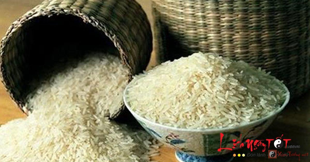 Đặt hũ gạo hợp phong thủy để hút tài lộc về nhà
