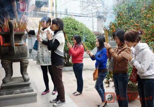 Noi le chua dang sao giai han Ram thang Gieng linh thieng hinh anh 2
