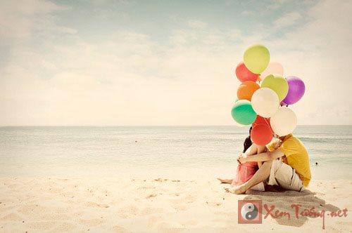 balloons-beach-couple-kiss-love-lovely-Favim.com-47844_large