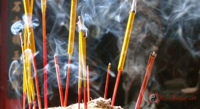 Văn khấn tạ năm mới - Lễ hóa vàng