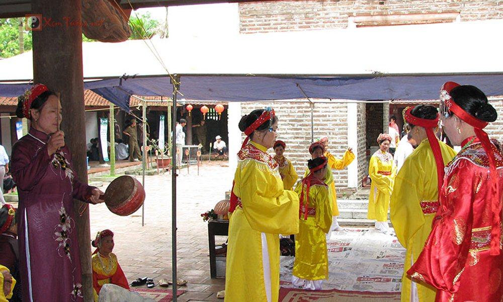 Các lễ hội ngày 8 tháng 4 Âm Lịch - Hội Chùa Dâu
