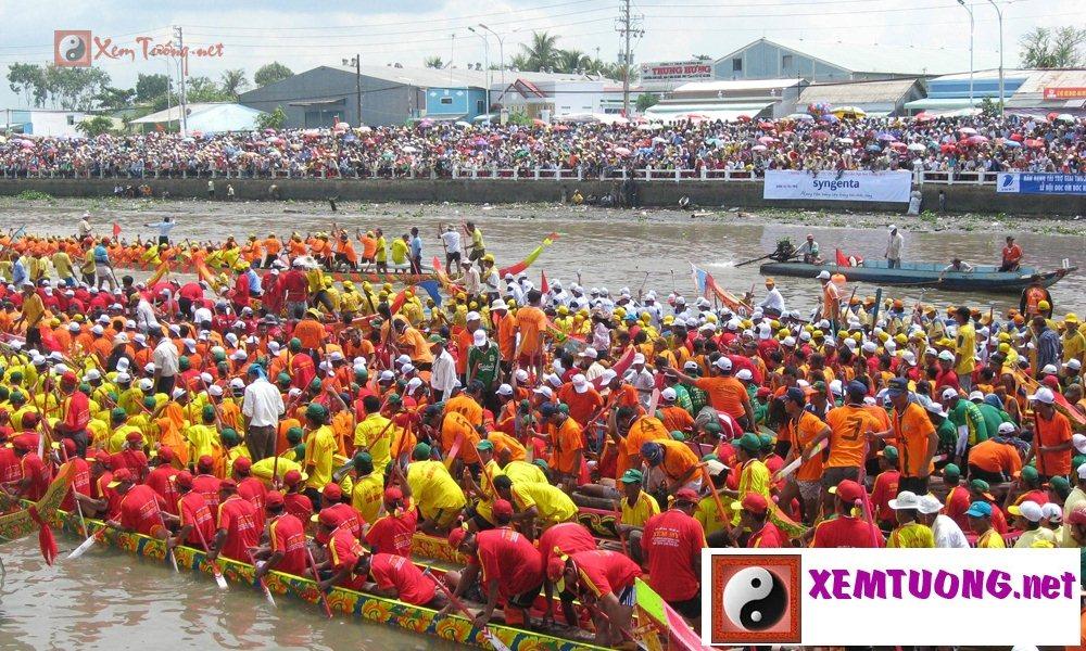 Lễ hội ngày 14 tháng 10 âm lịch - Lễ Ooc-Om-Bok Và Hội Đua Ghe