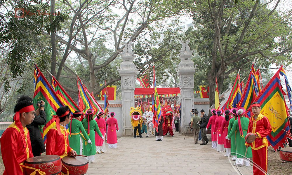 Lễ hội tiêu biểu diễn ra trong ngày 9 tháng 2 - Hội Đền Voi Phục